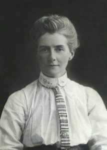 Edith Cavell - www.topaulasalud.com
